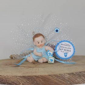 Başında Fiyonk Olan Erkek Bebek Şekeri