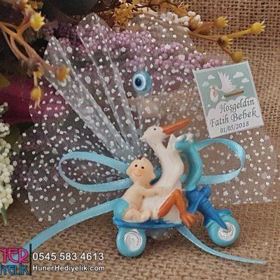 Leylek Arkasında Bisikletli Bebek Şekeri