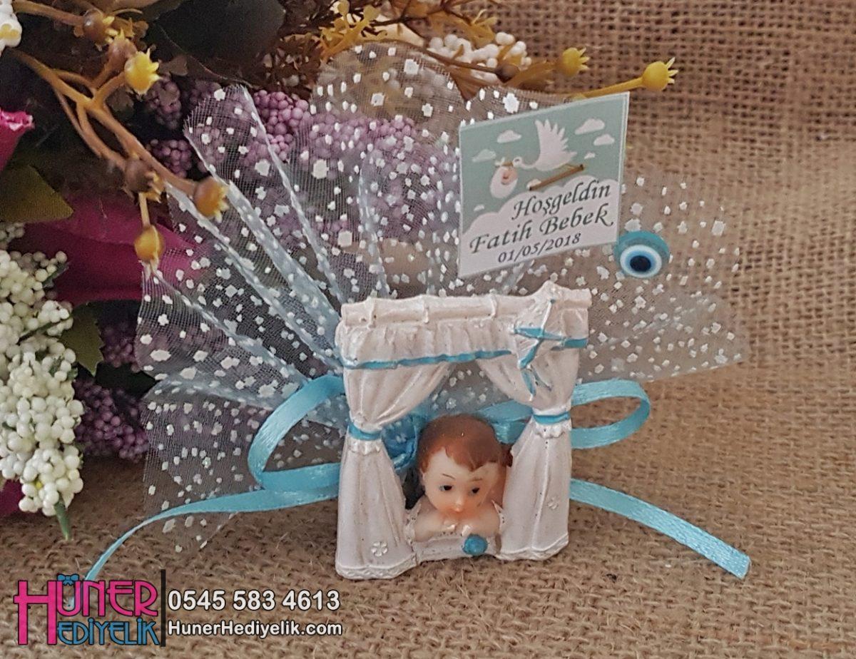 Camdan Bakan Erkek Bebek Dolap Süsü