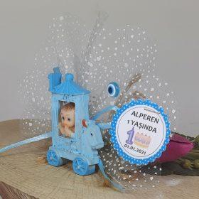 Faytonda 1 Yaş Erkek Bebek Doğum Günü Magneti
