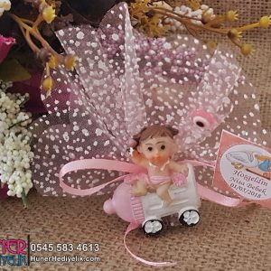 Biberon Şeklinde Arabalı Kız Bebek Şekeri Biblo