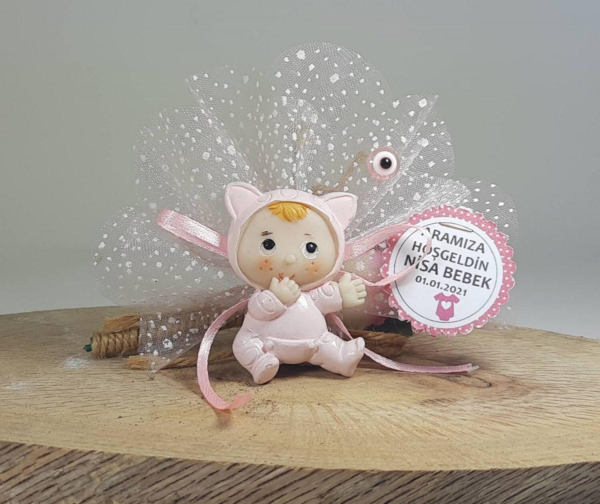 Kedi Kostümlü Pembe Kız Bebek Şekeri Biblolu