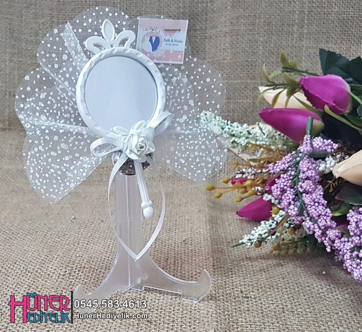 Beyaz Kelebekli Ve Taçlı Ayna Nikah Şekeri