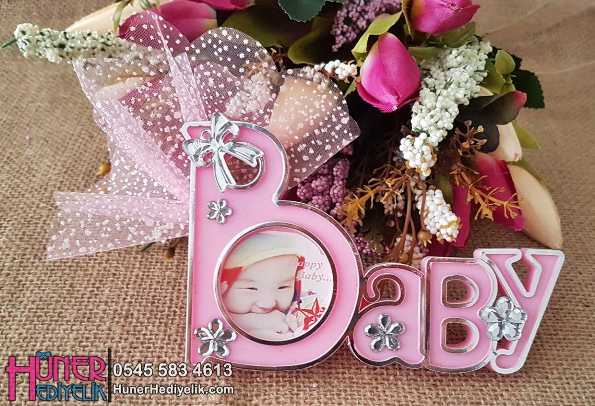 Baby Yazılı Çerçeveli Kız Bebek Magneti